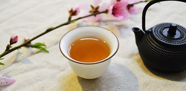 白茶养生小技巧:老白茶+陈皮,是肺的救星